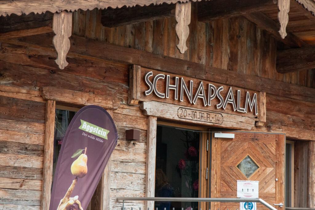 Eingang zur Schaubrennerei Aggstein in St. Johann in Tirol